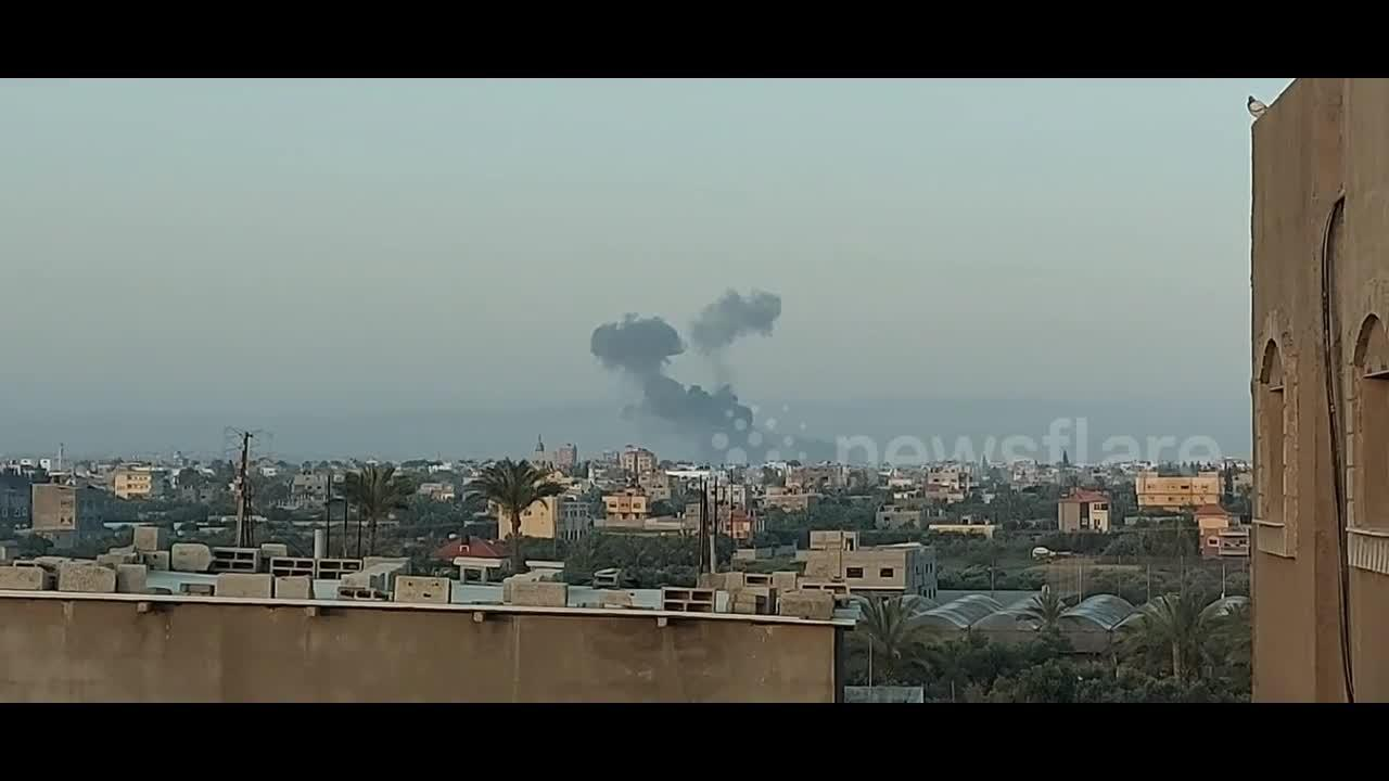 Smoke rises from Israeli air strike in southern Gaza city of Khan Younis