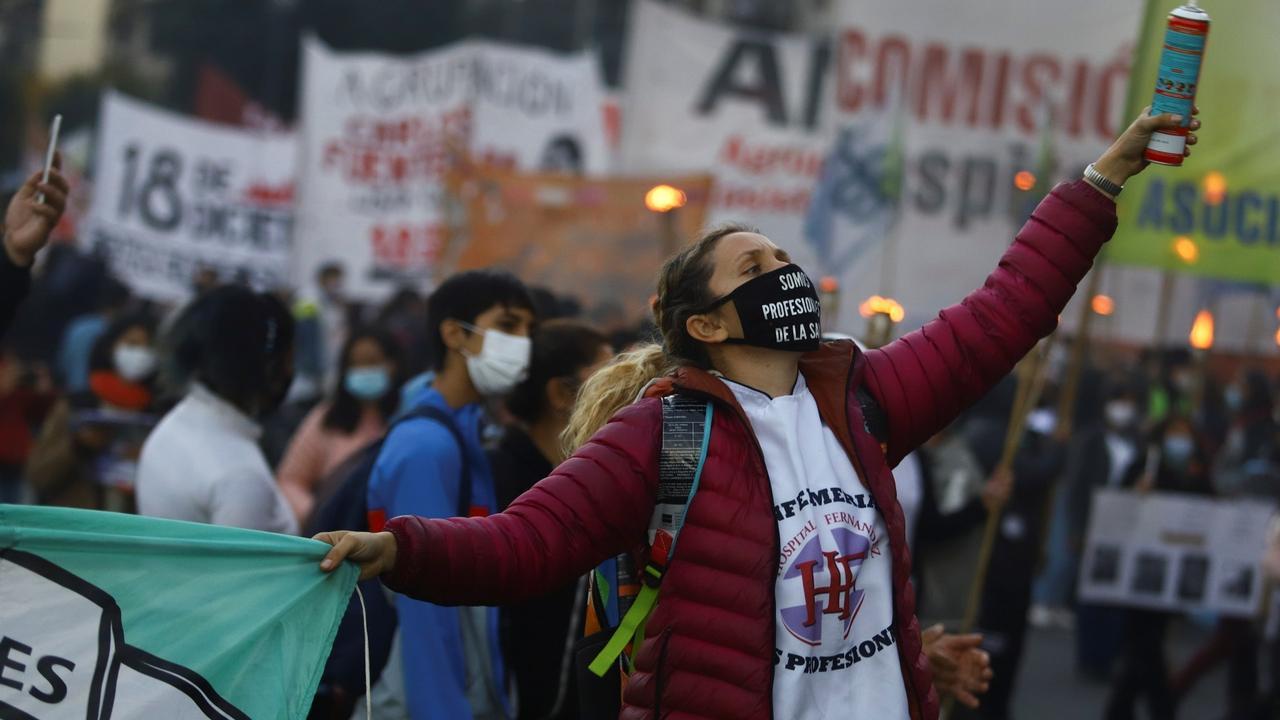 International Nurses Day: Argentine health workers demanding better conditions