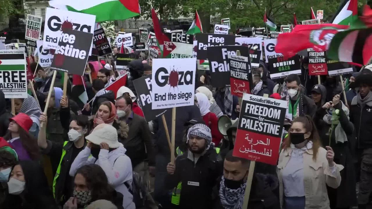 Thousands join protest against Gaza violence