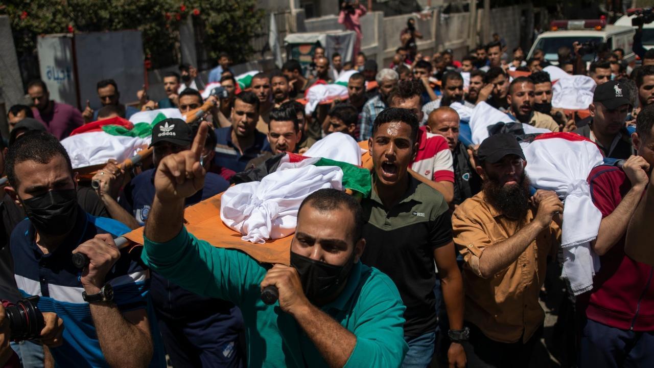 Israeli hit on Gaza refugee camp kills 10, including 8 children