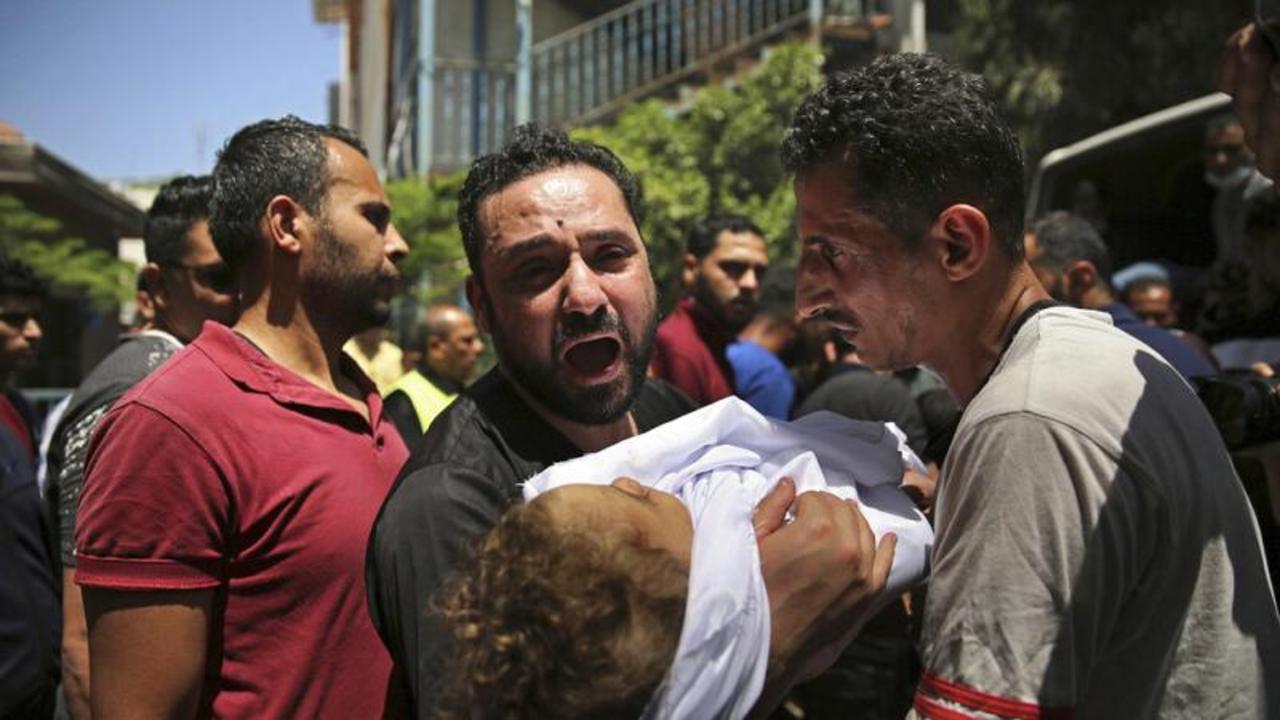 Three buildings flattened in Gaza as Islamic leaders hold crisis talks