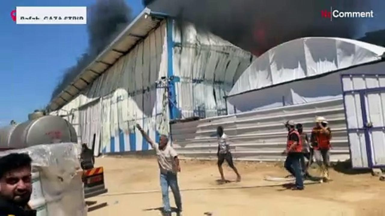 Massive fire at paint factory in Gaza