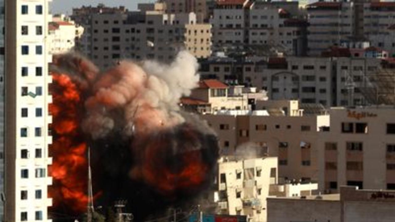 Clashes continue as Gaza death toll mounts