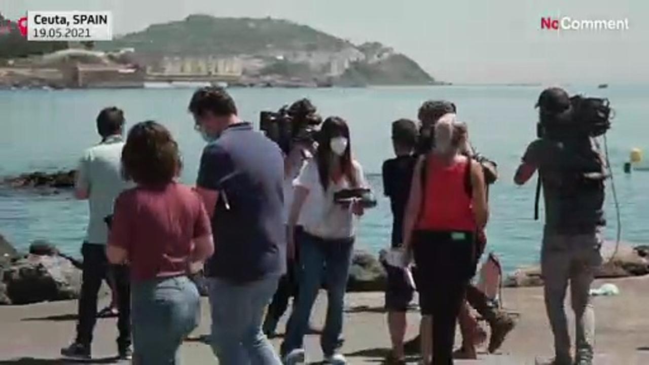 Migrants, including children, trickle into Ceuta