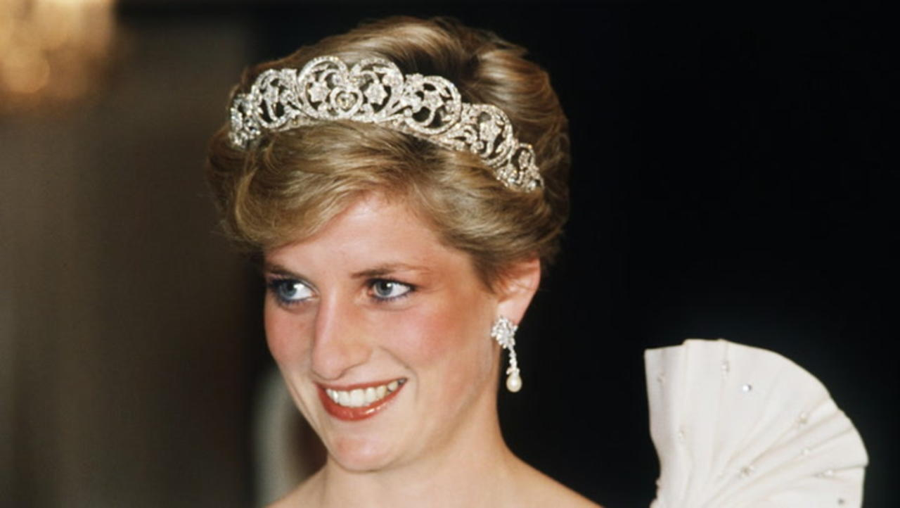 BBC Apologizes After Probe Finds Journalist Used 'Deceitful' Methods to Secure Princess Diana Interview | THR News