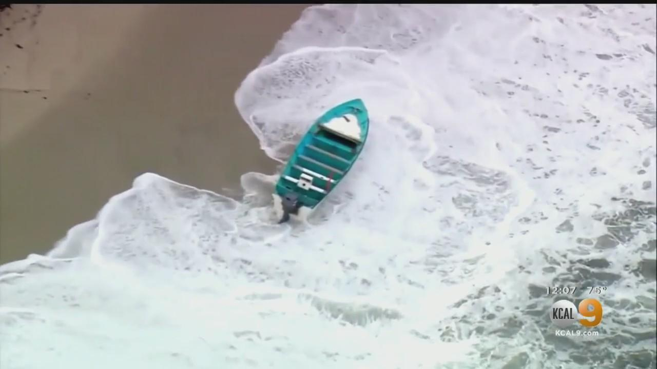 Several Rescued From Smuggling Boat Off San Diego Coastline, 1 Person Dead