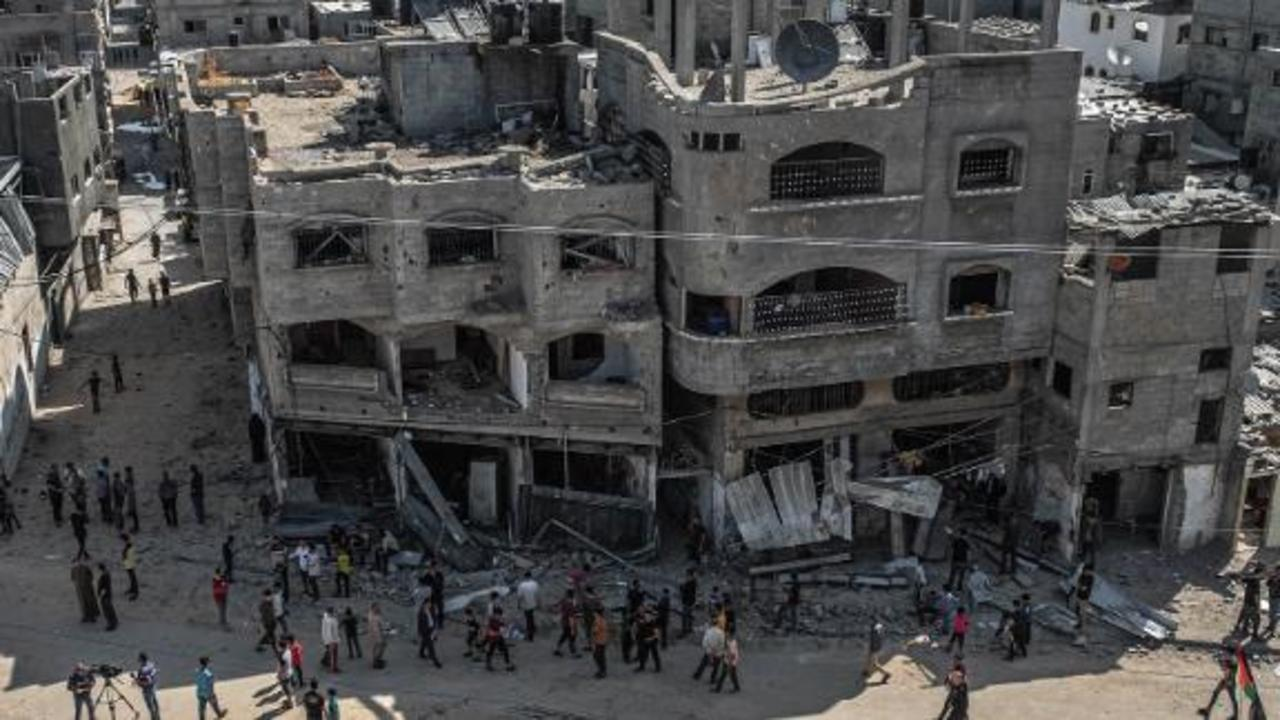 Israel and Hamas agree to ceasefire