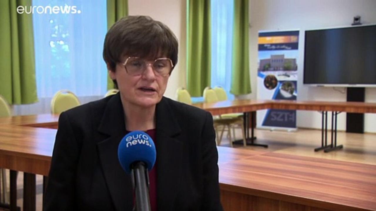 Biochemist Karikó honoured in her Hungarian home town for COVID work