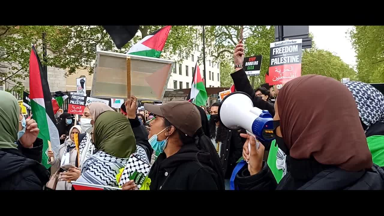 Thousands of protesters join Free Palestine march in London