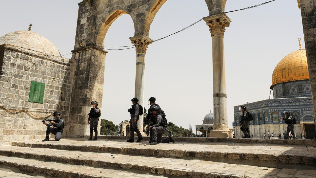 Backed by Israeli police, Jewish settlers enter Al-Aqsa compound