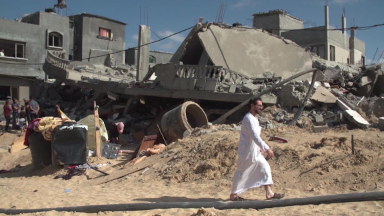 See the recovery efforts in Gaza as ceasefire appears to hold