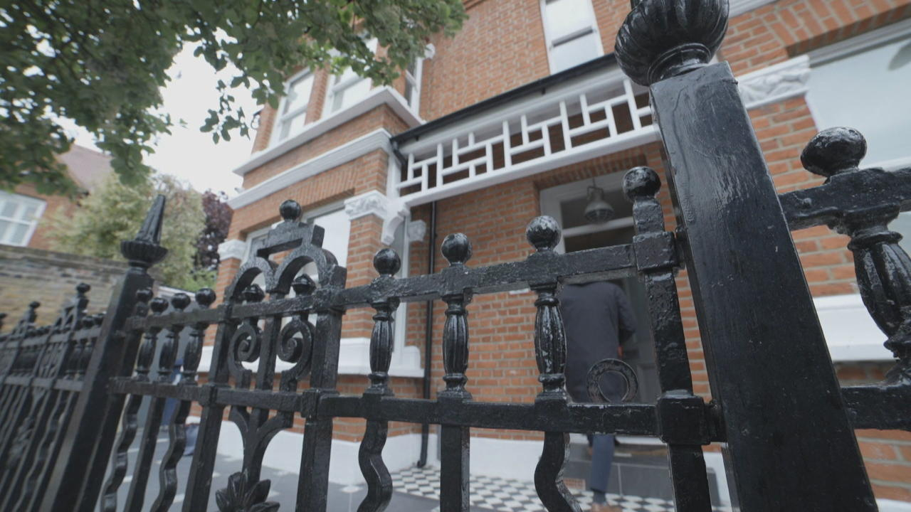 London property market booming despite economic downturn