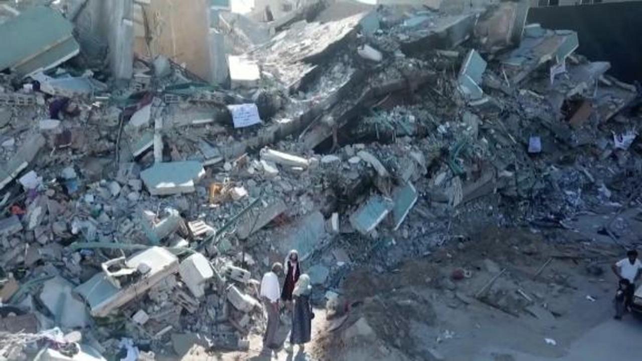 Gaza anguish: 'I want to live, I want to live'