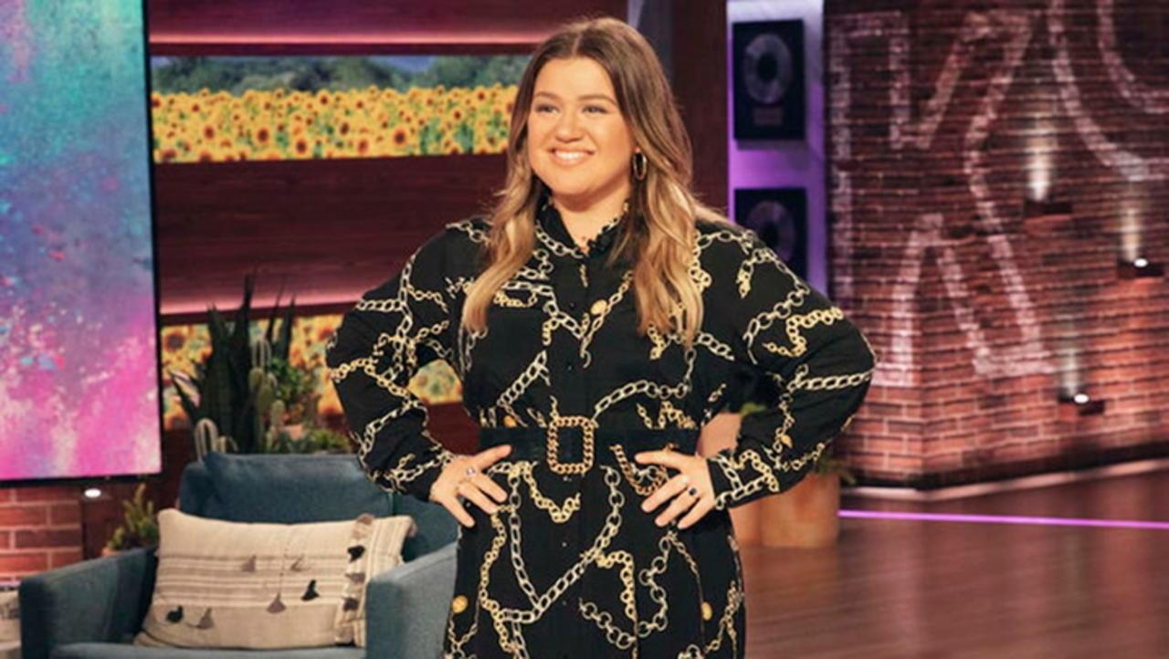 Kelly Clarkson to Take Over Ellen DeGeneres' TV Time Slot | THR News