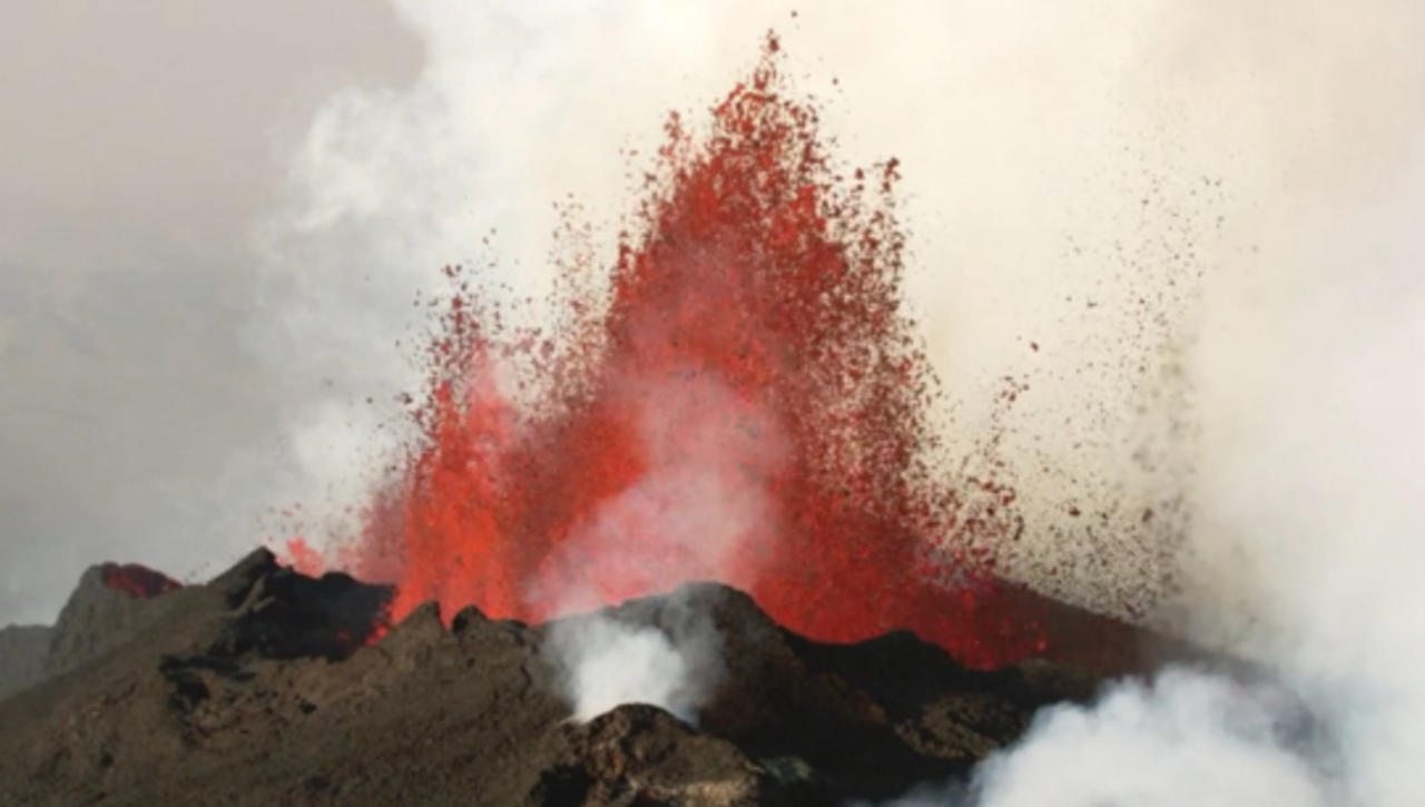 One of the Hawaiian Islands' Super Volcanoes Could Be on the Verge of an Eruption