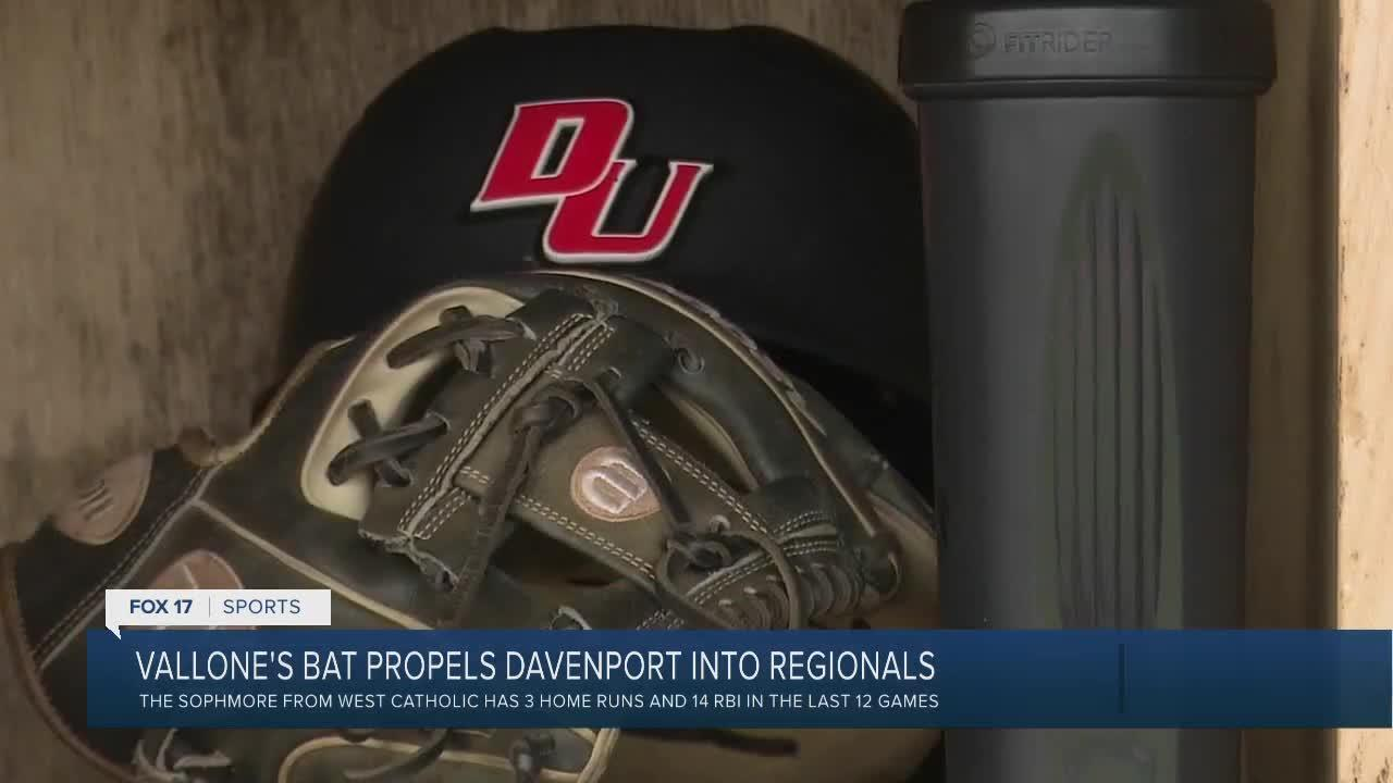 Vallone's bat propels Davenport into Midwest Regional