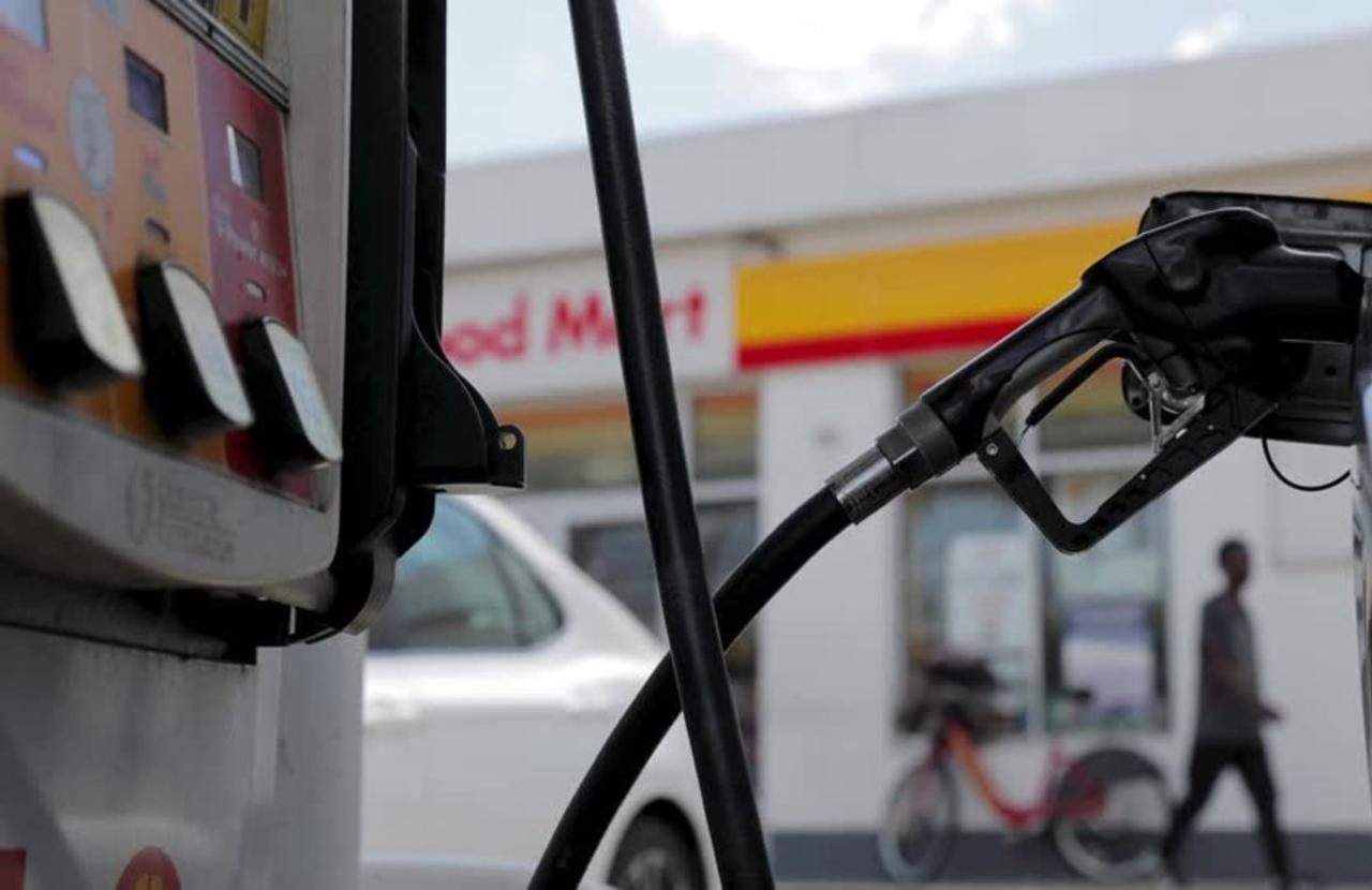 Gas prices soar ahead of Memorial Day weekend