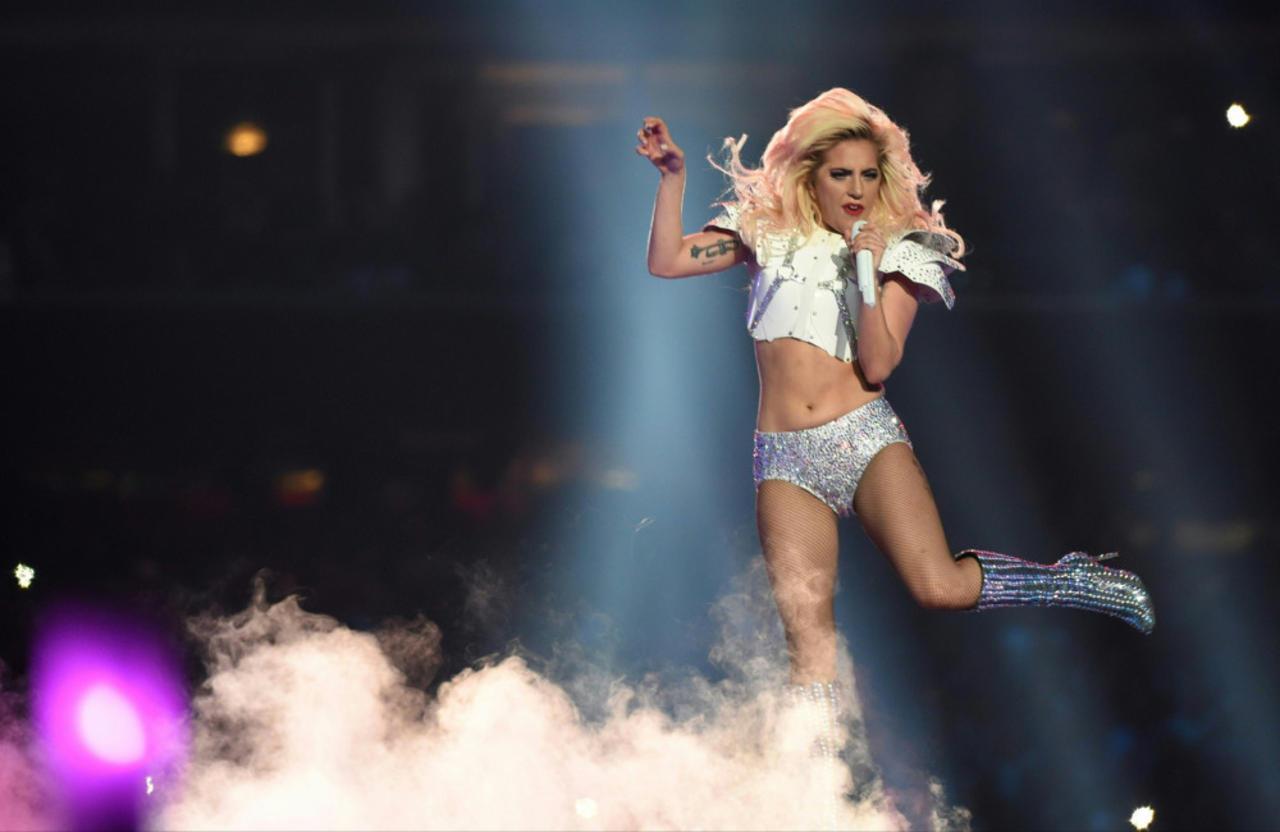 Lady Gaga kündigt eine überarbeitete Version von 'Born This Way' zur Feier des 10-jährigen Jubiläums an