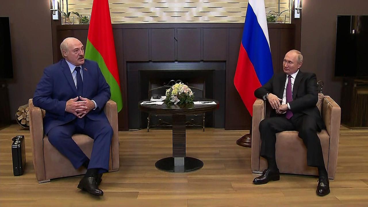 Putin supports Lukashenko amid outcry over Ryanair flight diversion