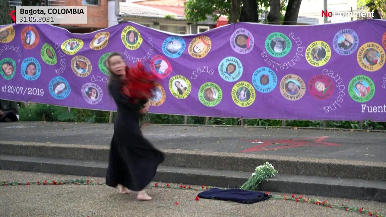 Through theatre, feminists protest against violence during demonstrations in Colombia