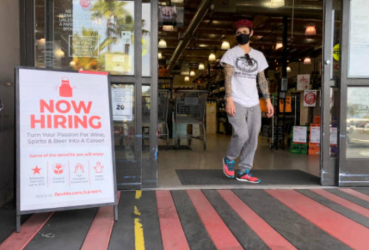 Jobless Claims Fall Below 400,000 for First Time Since Beginning of Pandemic