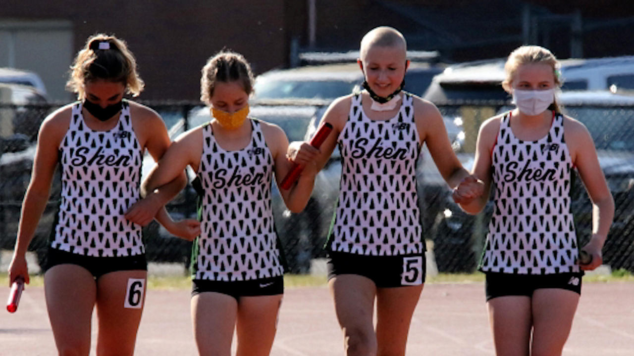 High School Runner With Cancer Finishes Race With Help From Teammates