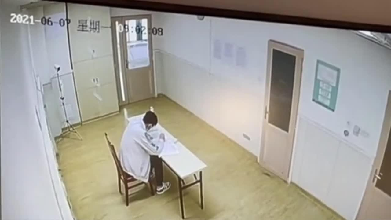 Chinese students infected with COVID-19 take university entrance exam in hospital's isolation ward