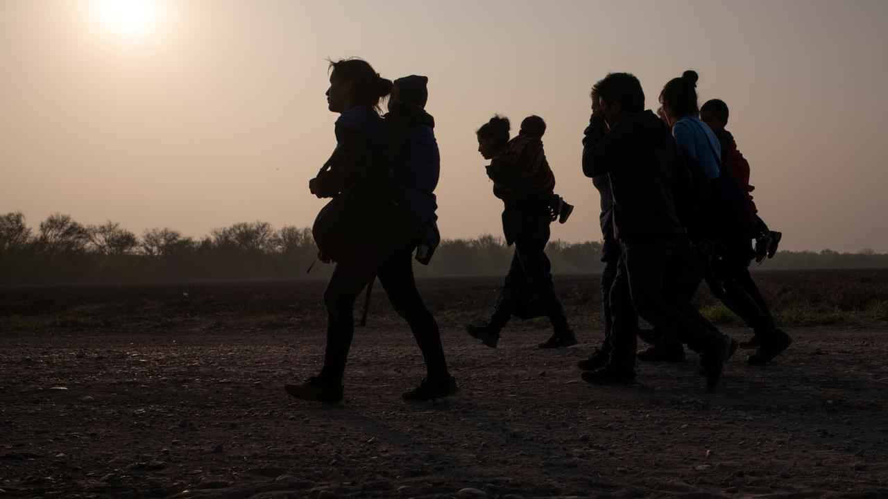 US migration: Border controls hurt Central American families