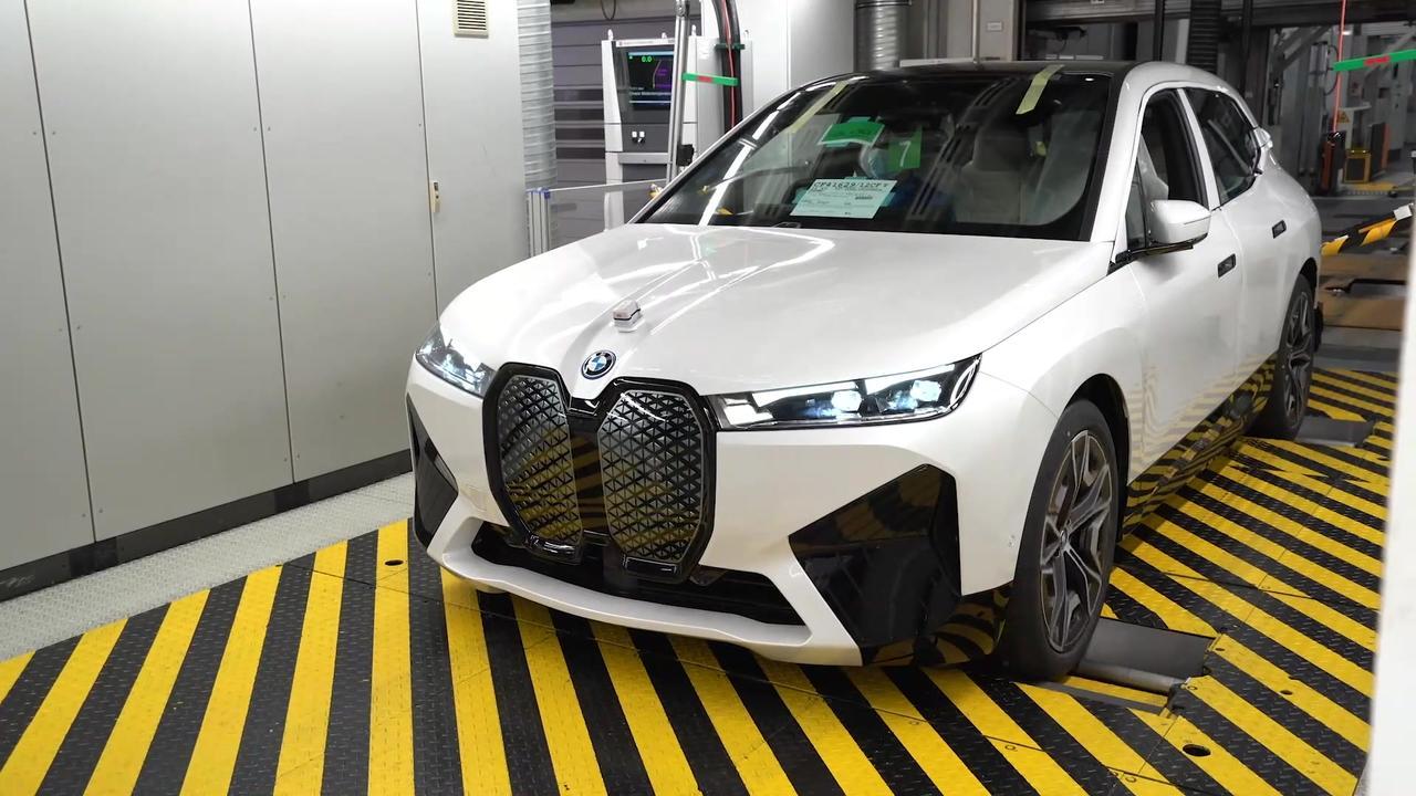 Production BMW iX in 60 sec