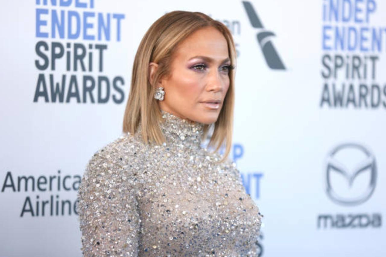 Jennifer Lopez Signs Multi-Year Deal With Netflix
