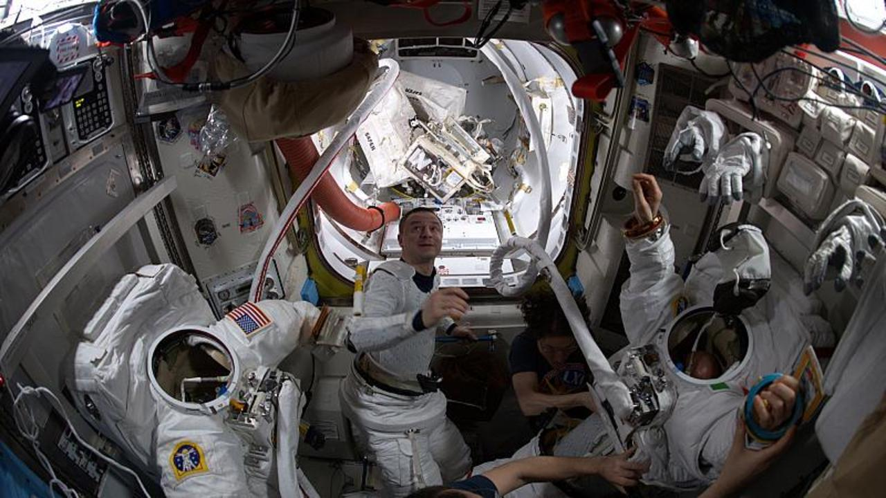 Astronaut Luca Parmitano talks water recycling in space