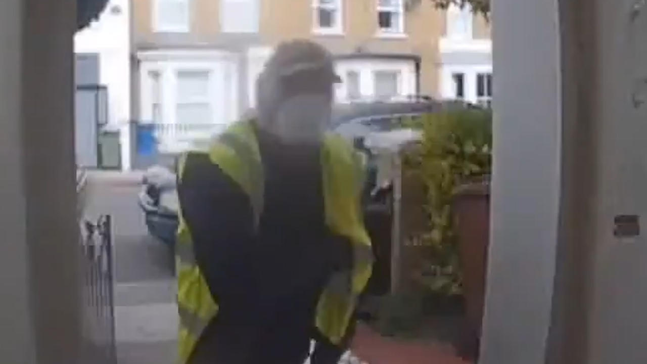Man dressed as Amazon delivery driver points shotgun at homeowner