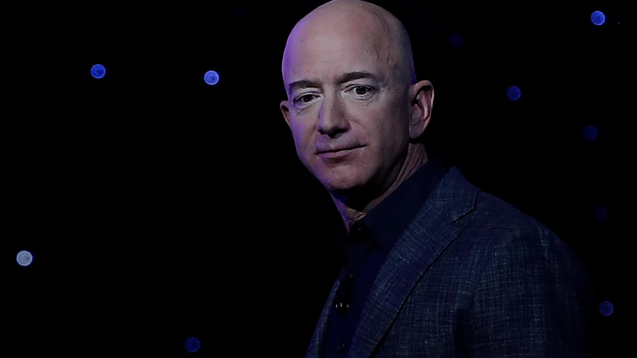 Der Amazon-Boss hebt ab: Jeff Bezos greift nach den Sternen