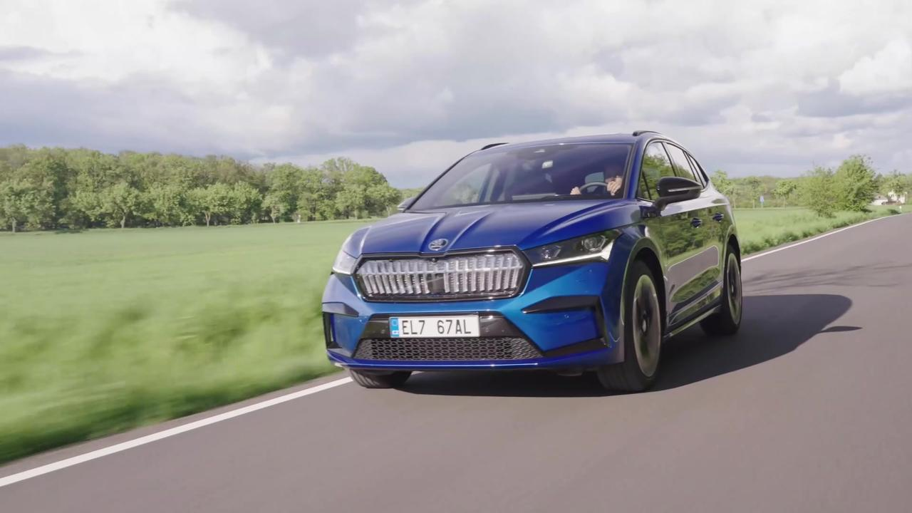 ŠKODA ENYAQ SPORTLINE iV in Race Blue Driving Video