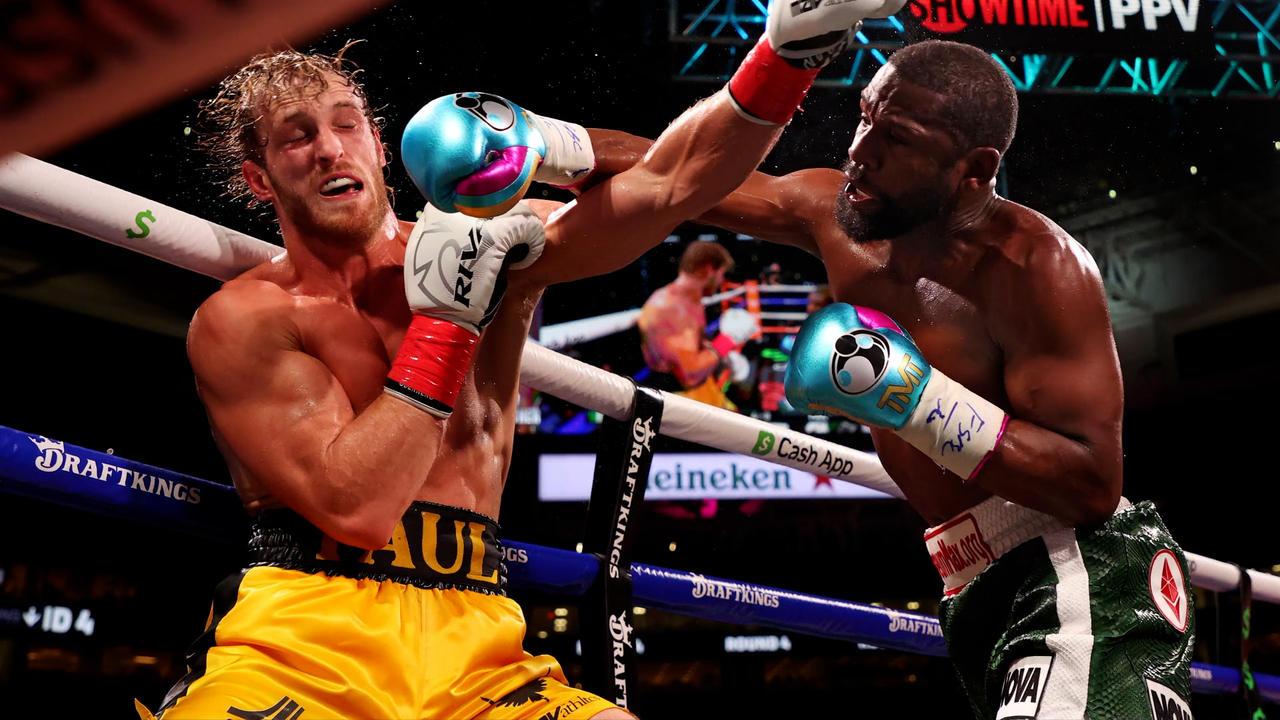 Jake Paul sobrevive ocho rondas contra Floyd Mayweather