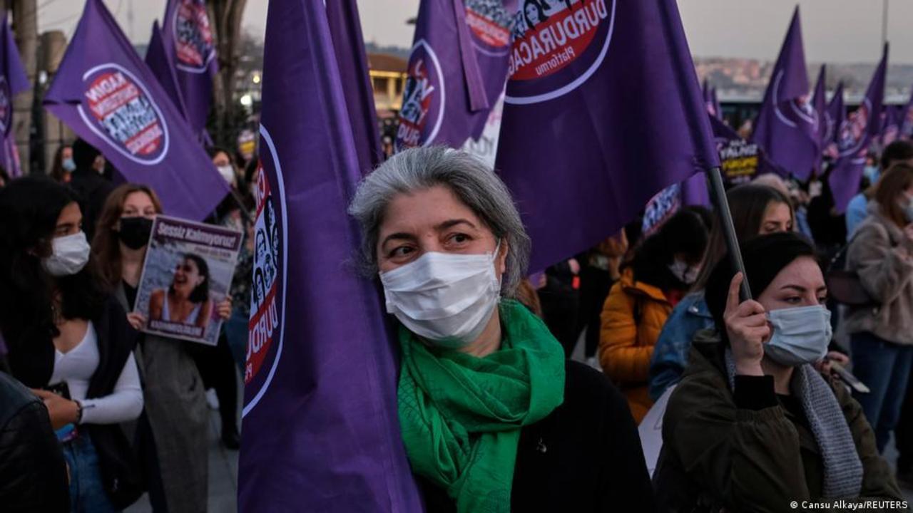 Turkey: Women fight back