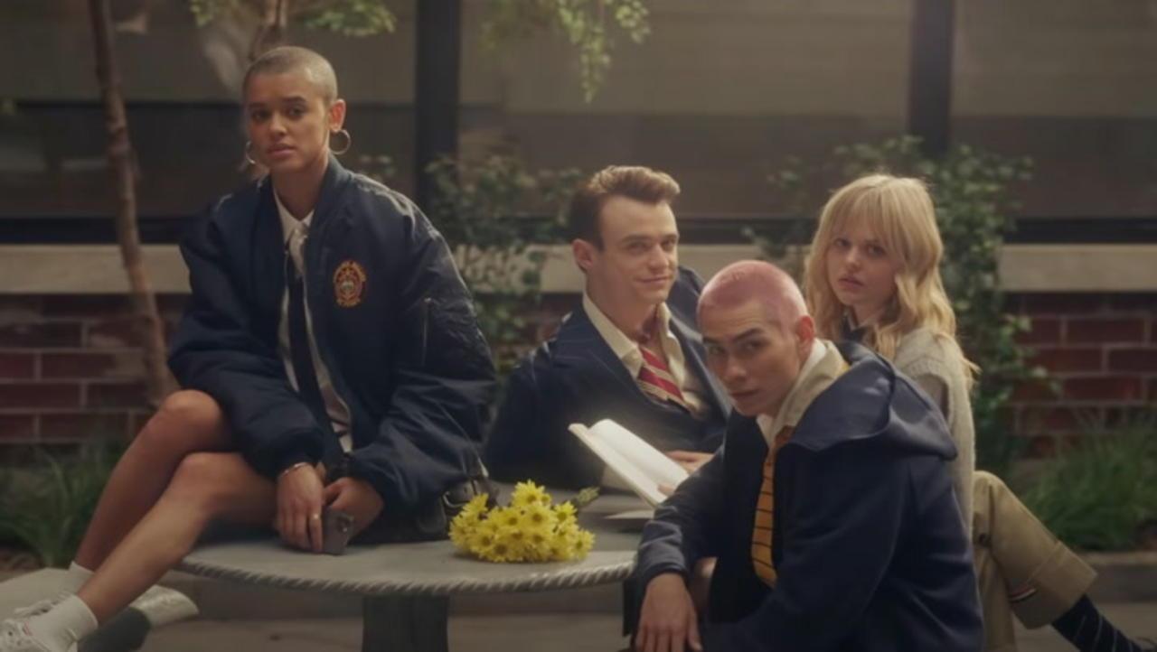 'Gossip Girl' Reboot First Trailer Released | THR News