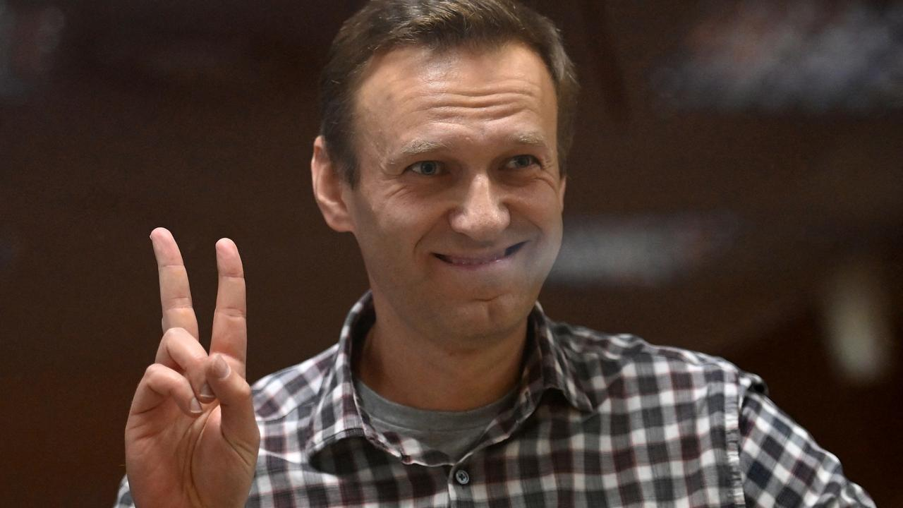 Russian court bans Alexey Navalny groups, labels them 'extremist'