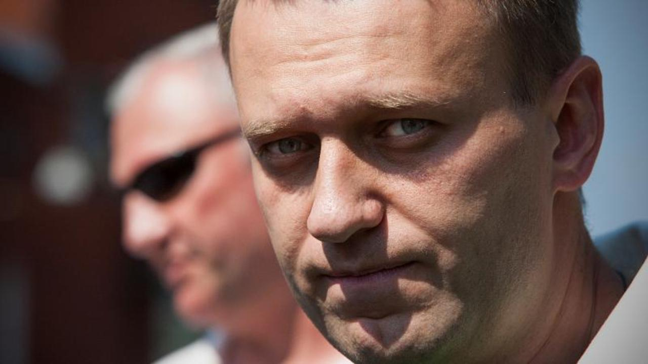 Russian court outlaws Alexei Navalny's organisation as 'extremist'