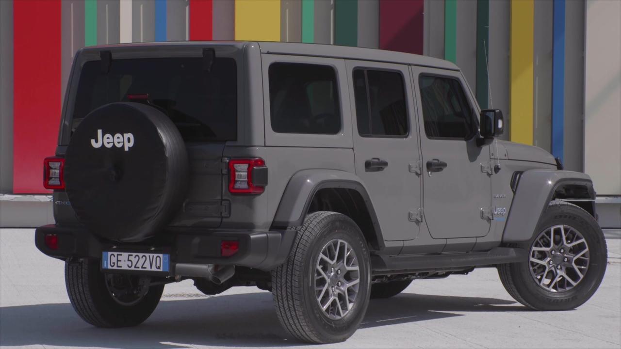 Jeep® Wrangler 4xe Sahara Exterior Design