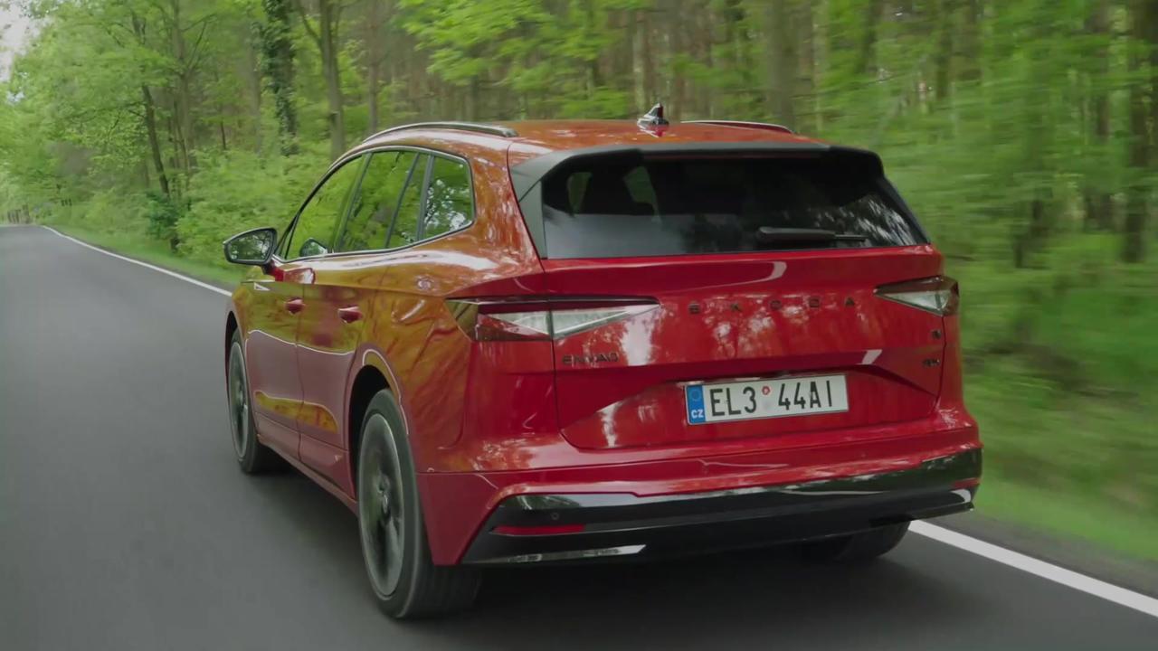 ŠKODA ENYAQ SPORTLINE iV in Velvet Red Driving Video