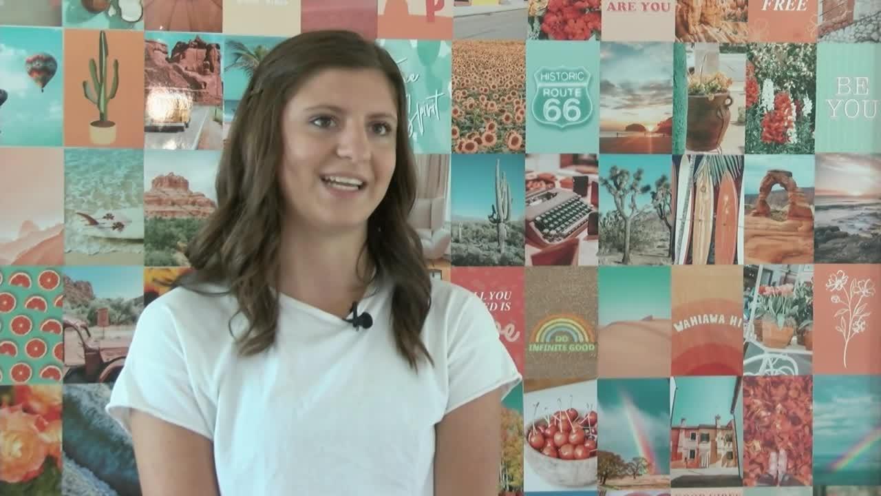 High schoolers open ice cream sandwich shop in Helena