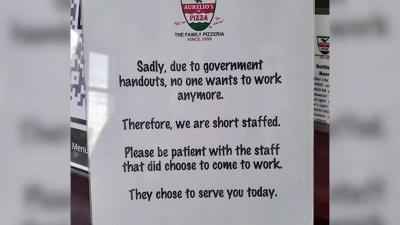 Illinois pizza chain tells franchise owner to take down sign referring to 'government handouts'