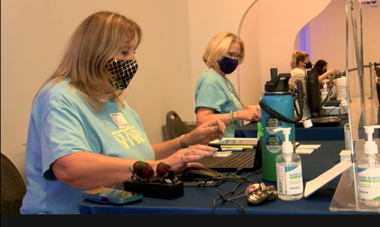 San Diego women volunteer at vaccine site for four months straight