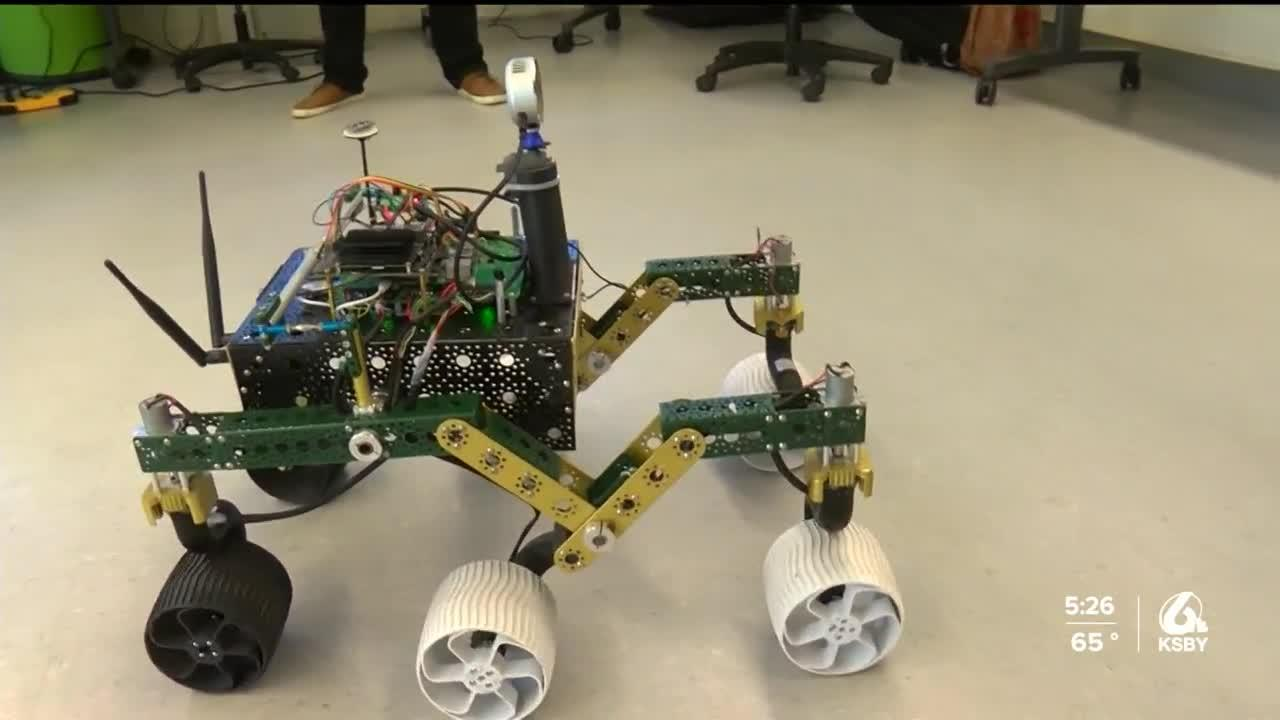 Two Cal Poly seniors develop rovers with outer space in mind