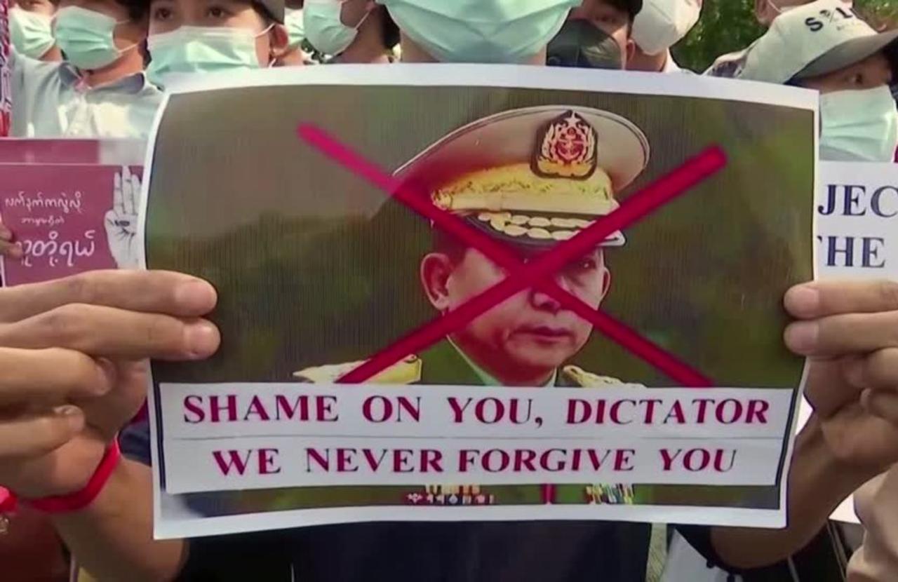 Myanmar authorities slap new charges on Suu Kyi