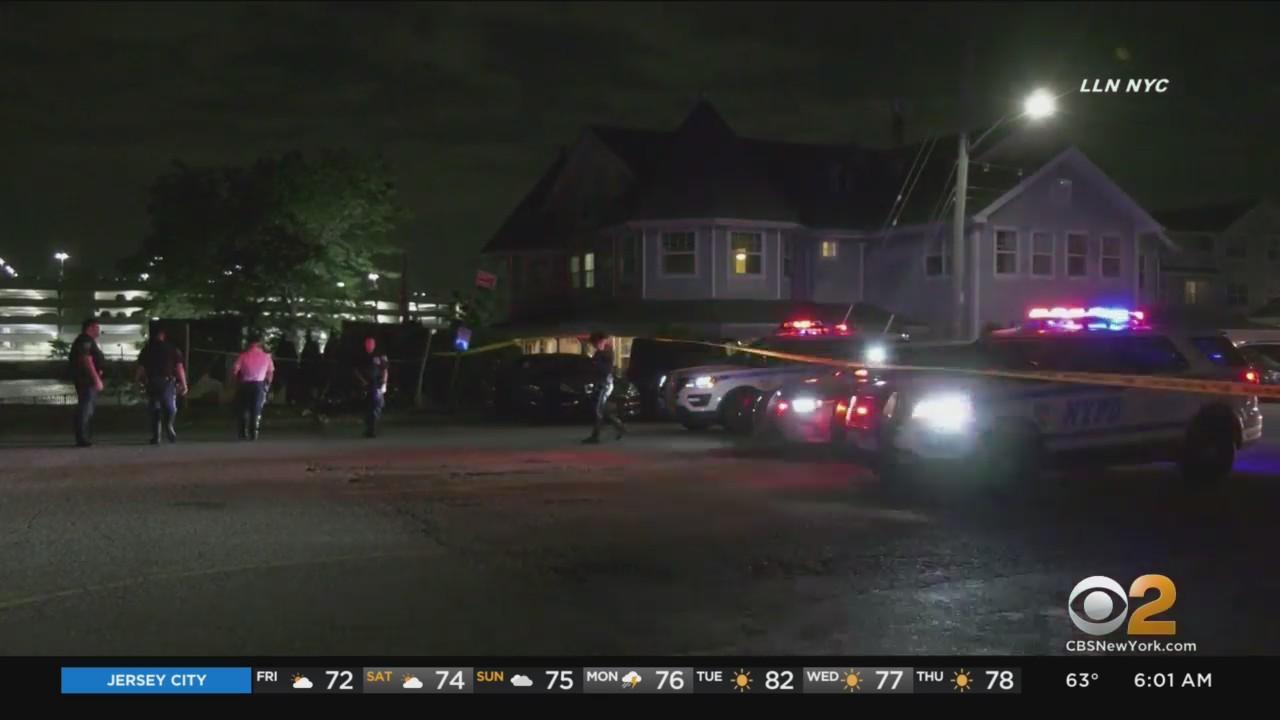 1 Dead, 4 Hurt After Brooklyn Crash