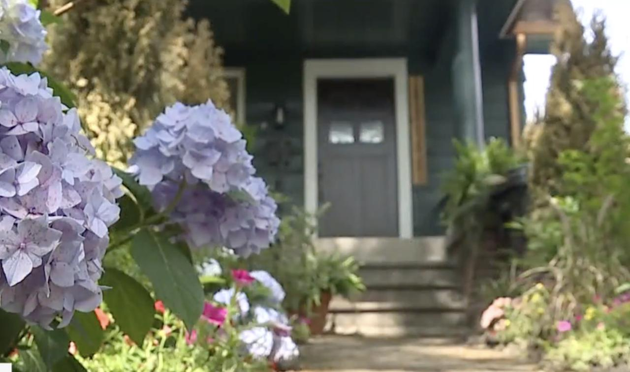 2 men who moved to Detroit to transform dilapidated homes get HGTV show