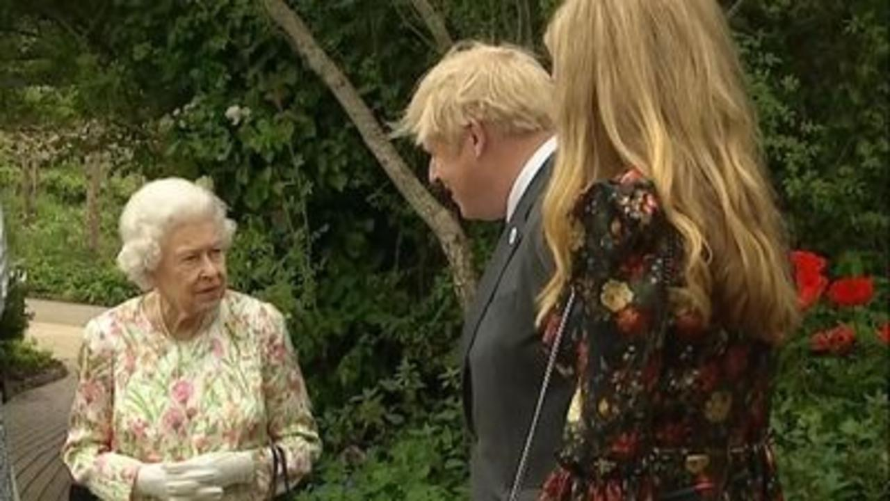 Queen arrives at reception for G7 leaders