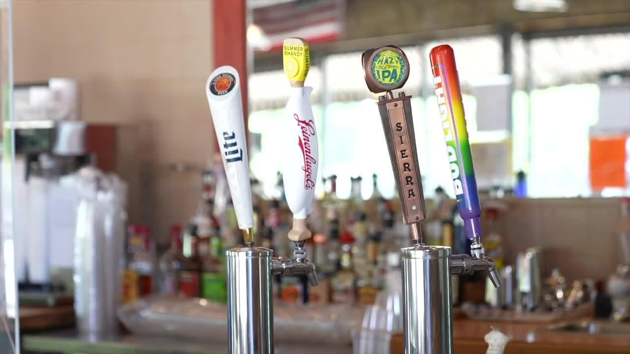 Lansing opens social districts, allows alcohol consumption on streets